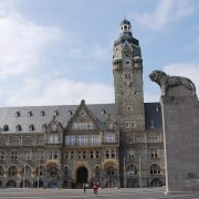 Frontansicht des Rathauses Remscheid